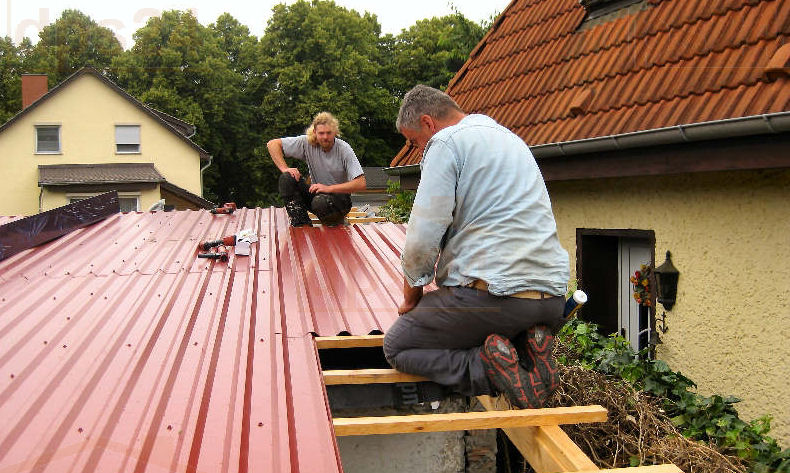 dachbleche und lichtplatten stahlblech f r dach und wand. Black Bedroom Furniture Sets. Home Design Ideas